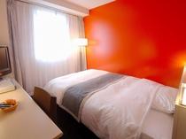 部屋 オレンジ