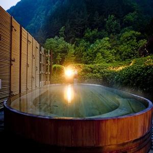 望渓の湯_夕暮れの露天風呂