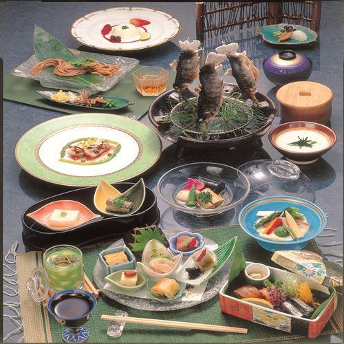 《会席一例》 既製品等は一切ございません、手作りの郷土料理を