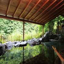 《白鳳の湯》 地元、早川で取れた、高級な御影石にも劣らない、上質な自然の恵みを白鳳石を使用