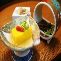 《夏献立・一例》 先付 手作りのお豆腐