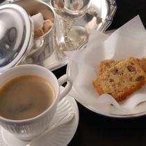 コーヒー、小菓子