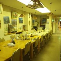 *【お食事処】朝夕のお食事はこちらにご用意致します。