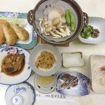 *【食事例】家庭的な味付けのお食事。ぜひ一度ご賞味下さい。
