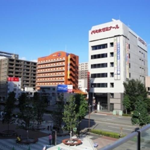 高崎駅東口方面から見たホテル①