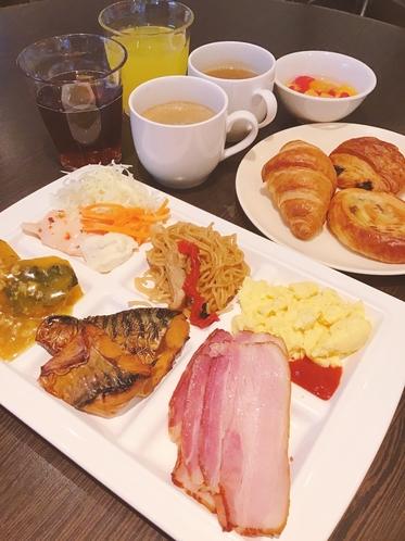 無料朝食 盛り付け例