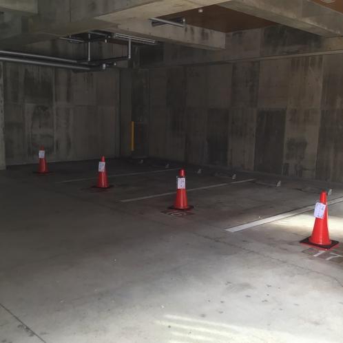 敷地内駐車場 屋内