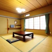 客室_208(静かな崖側)