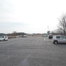 *駐車場/40台まで収容可能。ご予約なしで無料でご利用いただけます。