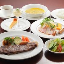 *ディナー/岩手産和牛コース。やわらかで風味のいい、味わい深いお肉をステーキでお楽しみ下さい。