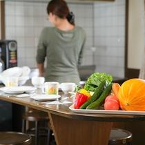 *ファミリールーム/ミニキッチン付きの広々としたお部屋は家族団らんにぴったりです。
