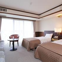 *ツインルーム/エキストラベッド利用で4人までご宿泊可能。