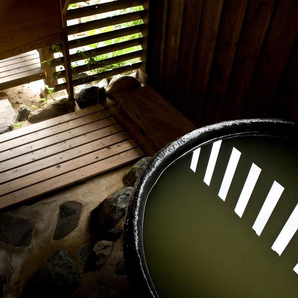【天然泉露天風呂付き】特別和室/48〜61平米 〜情緒溢れる露天風呂〜