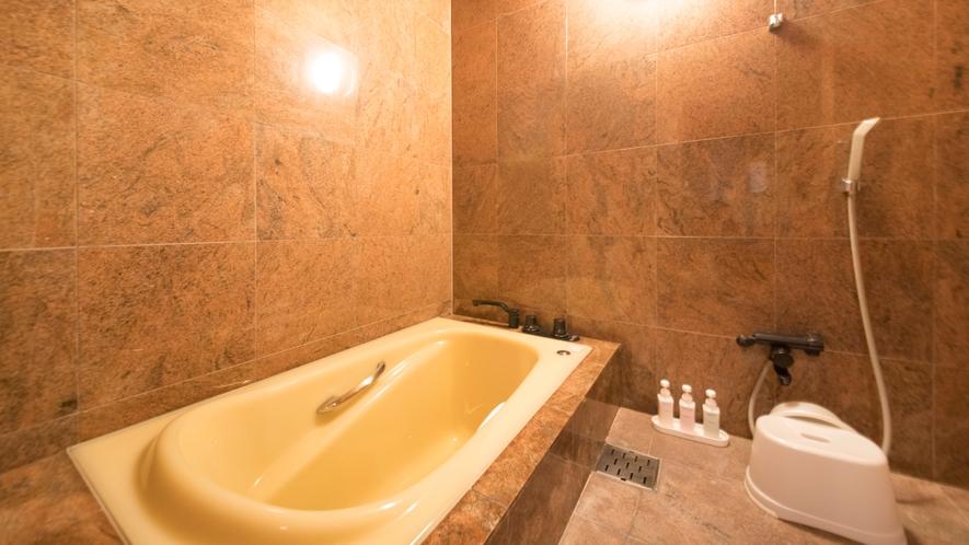 【最上級スイート】特別貴賓室/98.9平米 ~広々としたバスルーム。