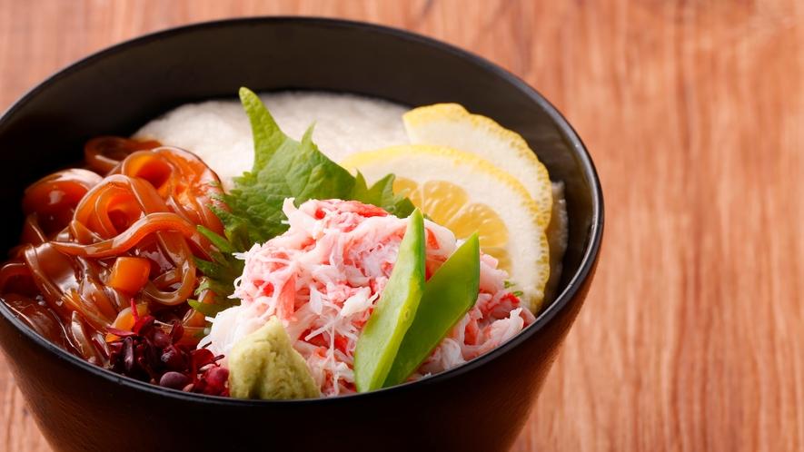 風雅名物だんだん飯!鳥取の最強グルメ≪イカ≫の特製醤油漬け×カニ×ねばりっこ