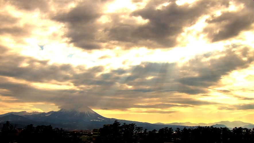 皆生風雅から見た大山(朝)。