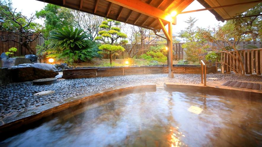 大浴場露天風呂~ライトアップされた露天風呂でゆったり癒される~