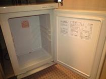 お休みの邪魔をしない、無音冷蔵庫を設置!