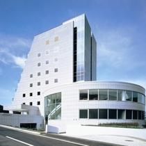 世界に誇る二人の匠が融合したデザイナーズホテル】優雅なリゾートステイをお過ごしください。