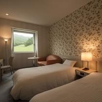 【スタンダード・ツイン】4階以上で蔵王の景色を楽しめるお部屋。エキストラベッドで3名まで利用可能