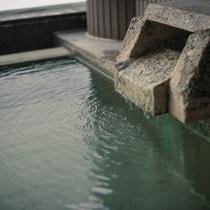 【蔵王温泉】ph2.0の強酸性の硫黄泉の泉質で美肌効果に優れた温泉です。