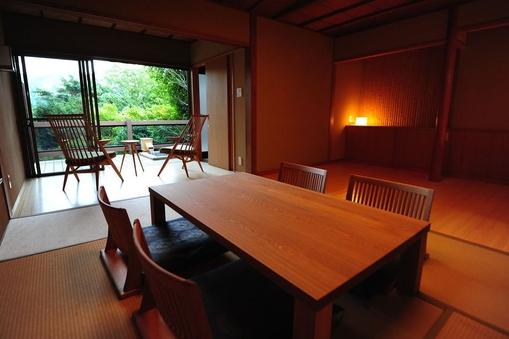 自然に包まれた露天風呂付離れ和洋室「泊瀬」(60平米)