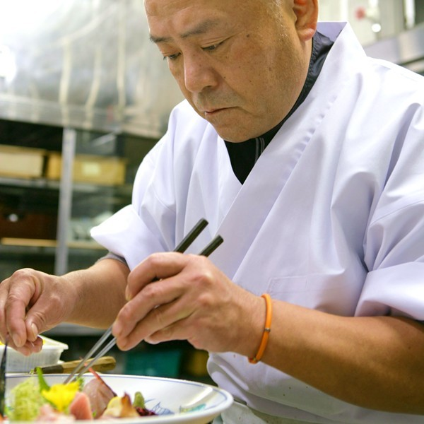 阿しか里料理長鈴木康郎が想いを込めて、四季の移ろいを料理に表現!