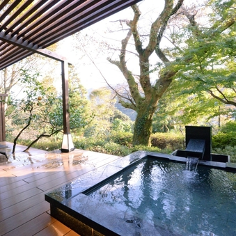 箱根外輪山を望む露天風呂付和洋室「萩」(80平米)
