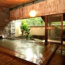 ヒノキと御影石造りのしっとり落ち着いた館内の大浴場【橘の湯】(男女時間交代制)