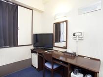 ◆部屋内◆32型液晶テレビ・ドライヤー・静音冷蔵庫