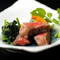 【ご夕食一例】 当館のご夕食に山形牛はかかせません。素材の味をご堪能ください。