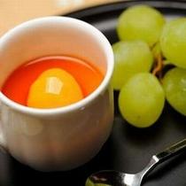 【ご夕食一例】 食後のデザートは、旬のフルーツと共にどうぞ。