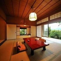 【客室Fタイプ「柊」】 お庭に面した縁側。懐かしい雰囲気の中、のんびりとしたひとときを。
