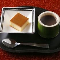 【ご夕食一例】 和と洋の両方のデザートいっぺんにご賞味ください。