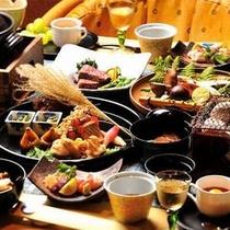 【ご夕食一例】 季節の地元食材をふんだんに使用した、名月荘懐石料理をお楽しみください。