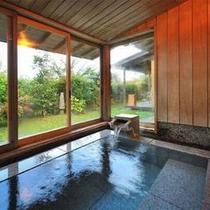 【客室Dタイプ一例「椿」】 客室風呂からは、雄大な蔵王連峰を一望できます。