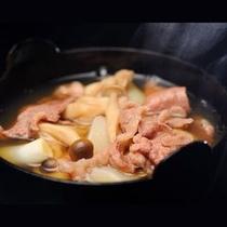 【ご夕食一例】 山形の秋の味覚郷土料理である「芋煮汁」をぜひご賞味ください。