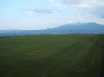 コテージら・ルーナ専用サッカーグラウンド 夏は暑さ知らずでスポーツ合宿に最適です☆