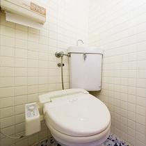 *【和室8畳】 洗浄機付きトイレ完備。