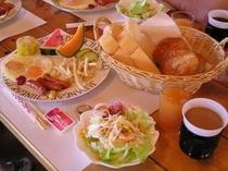 アメリカンブレックファースト(朝食一例です)
