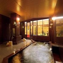 【女性用大浴場】遊楽の湯 広々とした湯船が自慢の大浴場。