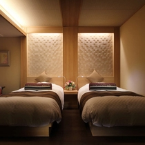 スーペリア和洋室(和室10畳+ツインベッド)
