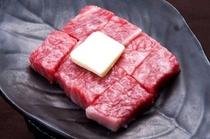 鹿角牛のステーキ