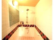ツインルームのシャワー室。