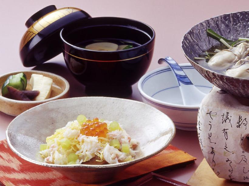 会席料理の一例 手間をかけたお料理をご提供致します