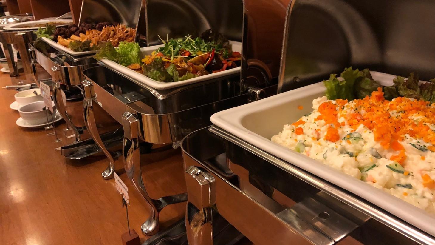 朝食レストラン花茶屋◇営業時間6:30〜9:00 郷土料理などのご当地メニューもご用意しております。