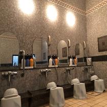 男性大浴場洗い場◇4か所ございます。シャンプー・リンス・コンディショナー・シェービングフォーム有