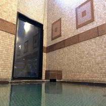 女性大浴場◇ラジウム人工温泉大浴場 ラジウムにより軟水化された、水当たりが軟らかく肌に潤いを与えます