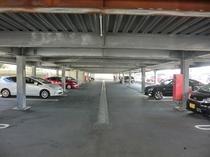 敷地内 駐車場① 普通乗用車 無料