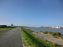 信濃川 徒歩1、2分